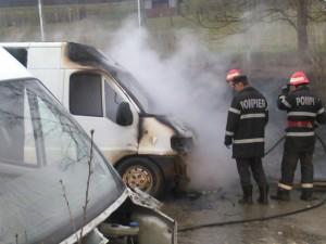 incendiu autoutili platani 010