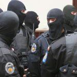 Florești : A-nceput de ieri să cadă, Câte-un BLOC…